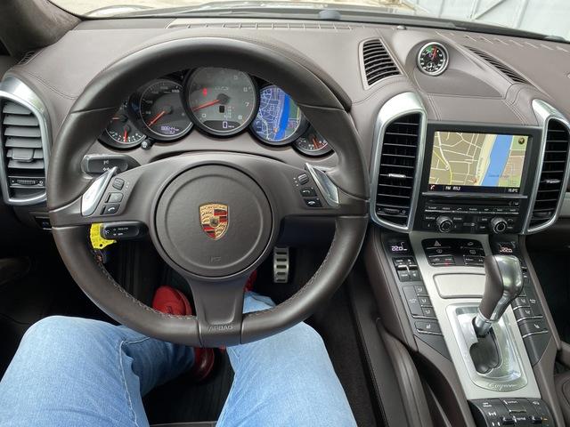 PORSCHE Porsche Cayenne II (958) GTS